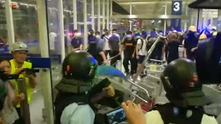 Hong Kong airport protest disrupts flights for second day