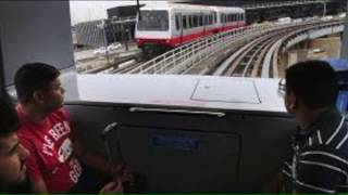 O'Hare Delays Reopening of `People Mover`