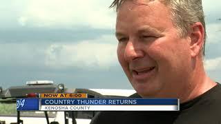 Country thunder fan stuck by lightning returns despite extreme heat