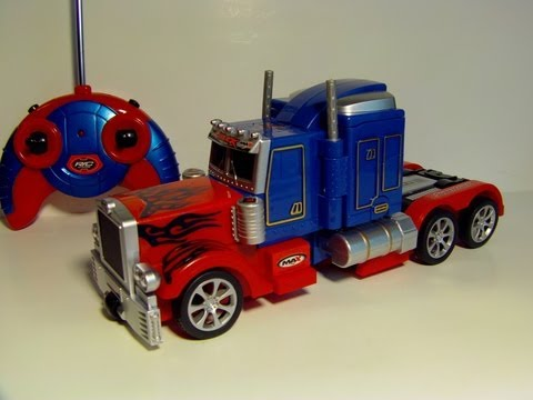 TRANSFORMING RC OPTIMUS PRIME REMOTE CONTROL TOY ROBOT TRUCK REVIEW - UCoigsSXKIDNYj_pvwlfh95A
