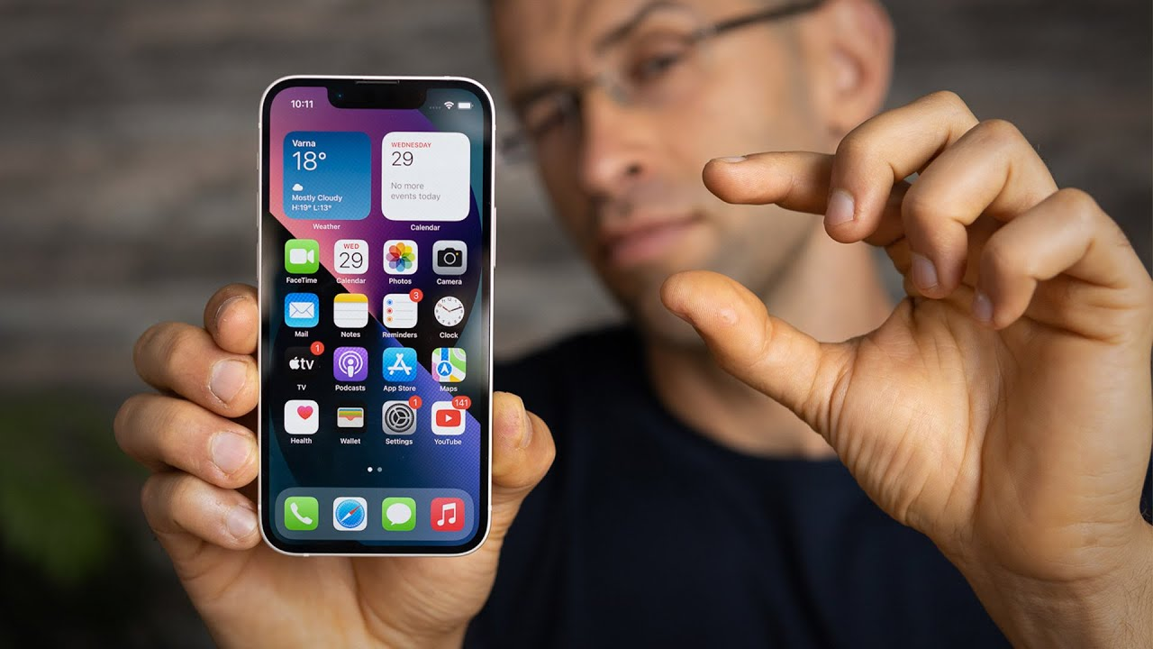 iPhone 13 mini review after 1 month — the right balance