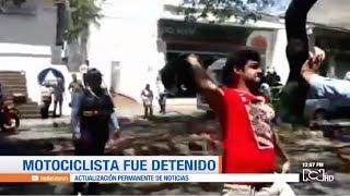 Motociclista agrede con su casco a un agente de tránsito en Neiva