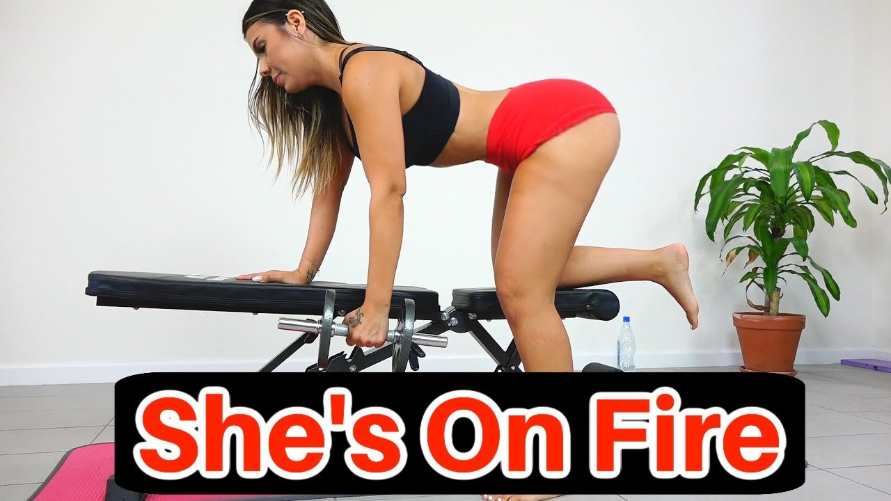 HOT Fitness Girl Does Intense Abs And Upper Body Workout At Home!
