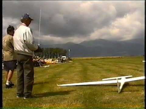 Crashes RC airplanes,  part 1 - UCy9D5fx4XjEfOYYY_SJnFHg
