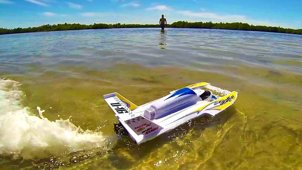 AquaCraft Miss Seattle First Run Fast RC Race Boat