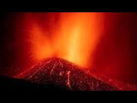 Breaking: Landslide, Canary Islands/ Paul Begley