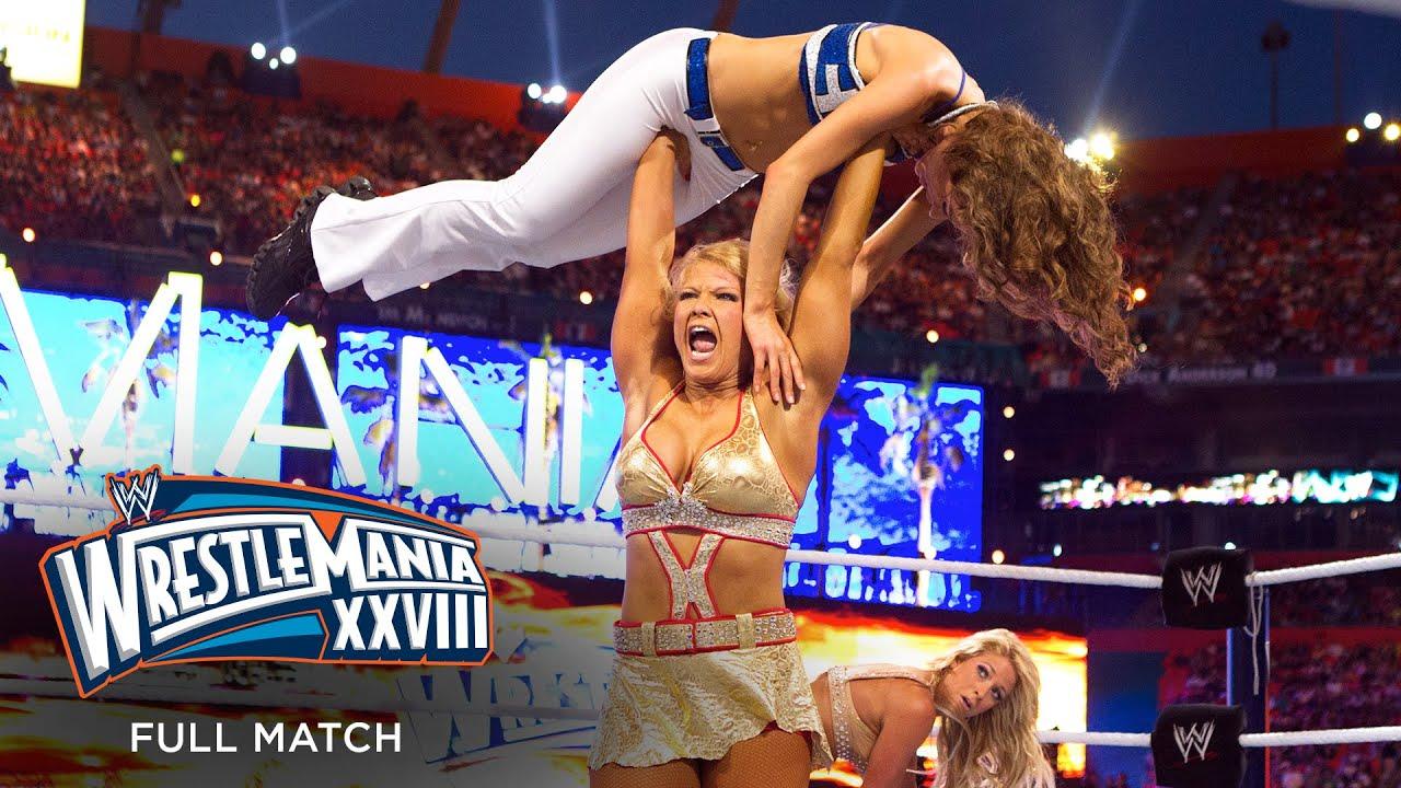 FULL MATCH – Kelly Kelly & Maria Menounos vs. Beth Phoenix & Eve Torres: WrestleMania XXVIII