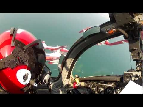 SNOWBIRDS - Learn to Fly a Snowbird Tutor Jet - Buzz the CN Tower