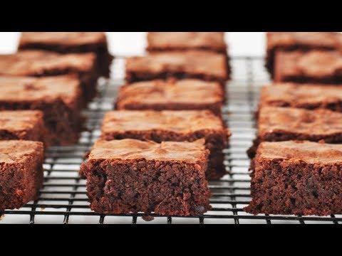 Brownies (Classic Version)  - Joyofbaking.com - UCFjd060Z3nTHv0UyO8M43mQ