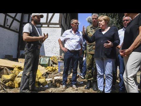 Chanceler alemã visita zonas atingidas pelas cheias