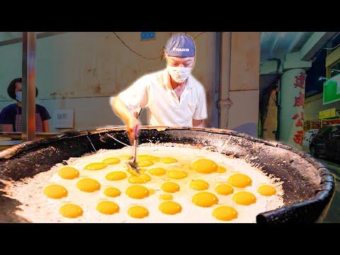 Street Food in Malaysia – 500 EGG Oyster Omelette MASTER + HUGE Street Food Tour of Melaka!!!!