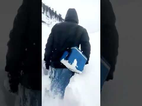 Pakistani Polio Worker Became National Hero After Walking Through Snow