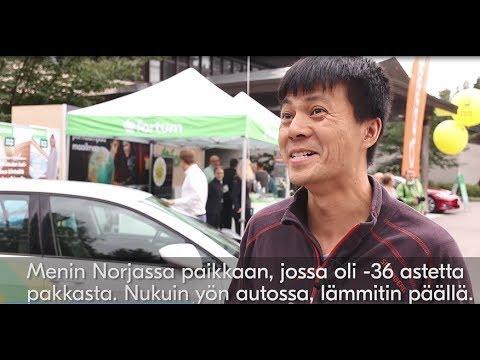 Teslabjørnin haastattelu sähköautoilijoiden drive in -leffaillassa