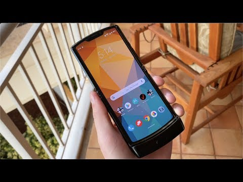Motorola Razr Hands On and First Impressions! - UCbR6jJpva9VIIAHTse4C3hw