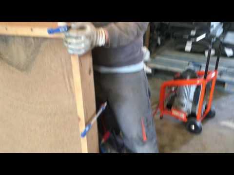 Máquina para insuflar aislamiento corcho natural