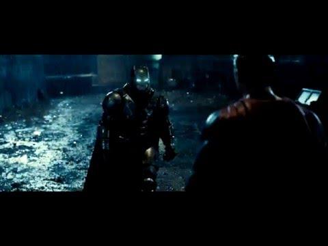 "Batman v Superman: El Amanecer de la Justicia - Spot 30"" HD Castellano -Disculpe señorita"