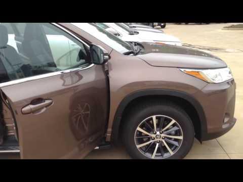 Loving Toyota | 2017 Toyota Highlander | Lufkin, TX