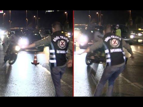 İstanbul'da  Hareketli Anlar... Motosiklet Sürücüsü Uygulama Noktasından Böyle Kaçtı