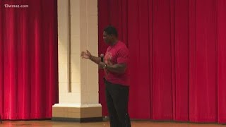 Pro athlete Herschel Walker surprises students at Veterans High School
