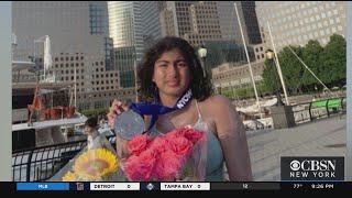 Teen Swimmer Completes Journey Around Manhattan