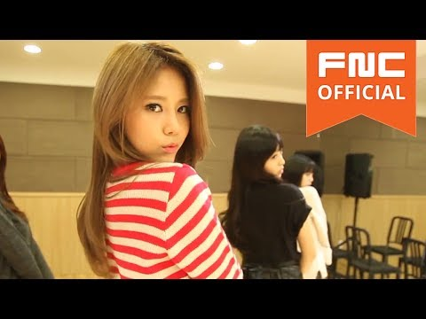 Miniskirt (Dance Practice Eye Contact Version)
