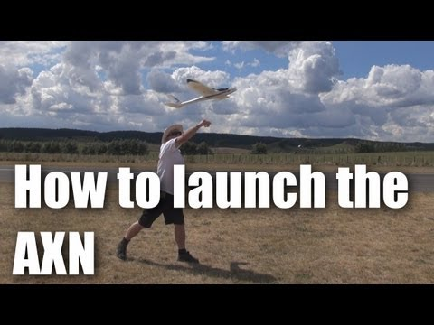 How to launch the AXN Clouds Fly Floater Jet RC plane - UCahqHsTaADV8MMmj2D5i1Vw
