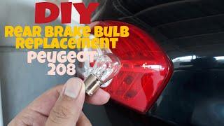 Come sostituire lampadine faro posteriore PEUGEOT 208