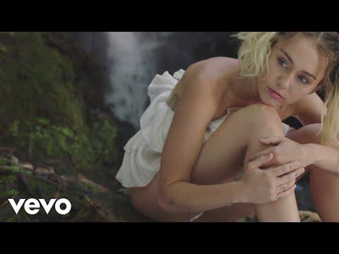 Miley Cyrus - Malibu (Official Video) - UCdI8evszfZvyAl2UVCypkTA