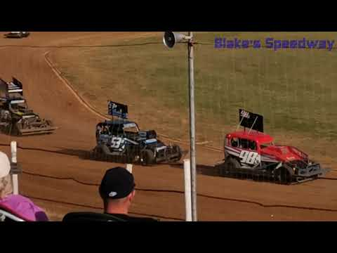 Who will win? - dirt track racing video image