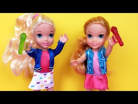 SINGING competition ! Elsa and Anna toddlers - Barbie is judge - contest - UCQ00zWTLrgRQJUb8MHQg21A