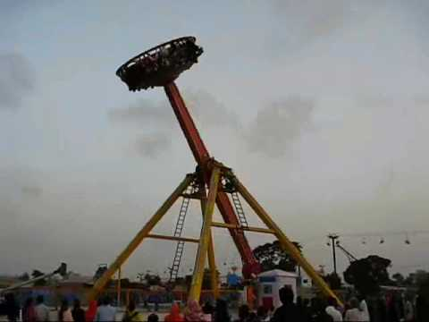 Most dangerous Ride of Aladdin Park, Karachi