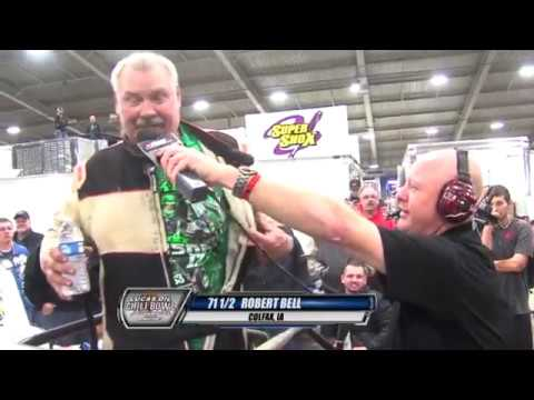 Robert Bell gets an emotional heat race win. - dirt track racing video image