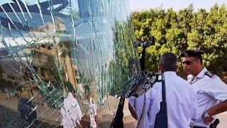 Bomba robbant egy turistabusz mellett az egyiptomi Gízában