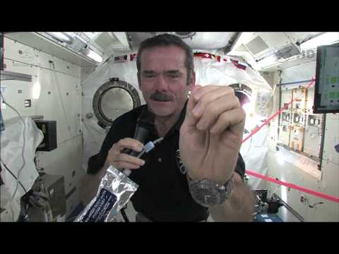 How To Wash Your Hands In Space | Video - UCVTomc35agH1SM6kCKzwW_g
