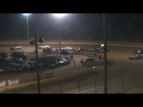 Stock V8 at Lavonia Speedway June 18th 2021 - dirt track racing video image