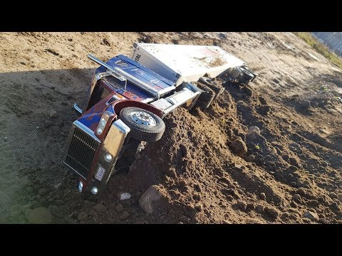 ГРУЗОВИК ЗАСЫПАЛО ПРИ ОБВАЛЕ В ГОРАХ ... Tamiya scale RC Truck in action and rc excavator - UCX2-frpuBe3e99K7lDQxT7Q
