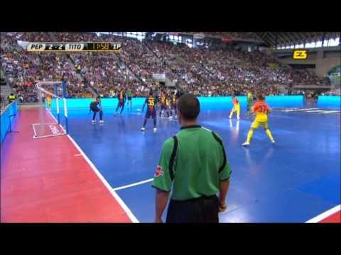 Pep Guardiola vs Tito Vilanova (barça football indoor) - UCHtEnvIJwt9YFdXoSqHC-yg