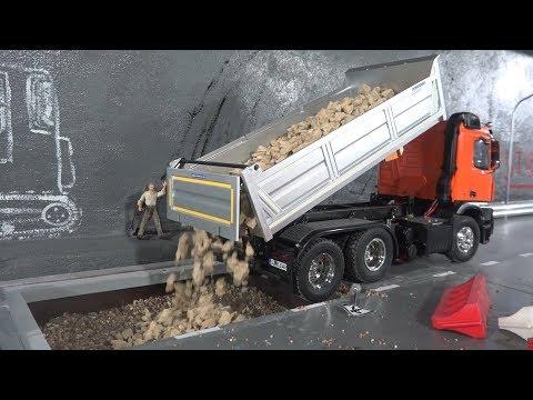 RC Tamiya TRUCK. Засыпаем яму с помощью грузовика Mercedes-Benz Arocs 3348 6x4 - UCX2-frpuBe3e99K7lDQxT7Q