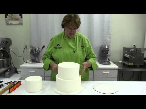 How to Stack A Three Tiered Cake