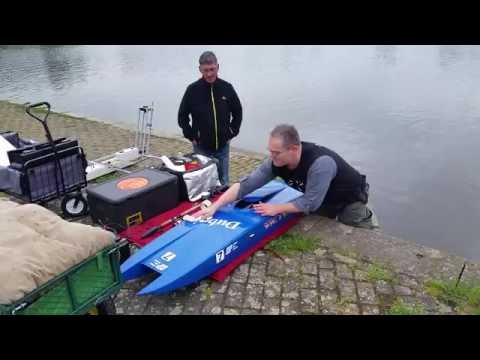 RC Boat Self Righting Flood Chamber Mod Test Run