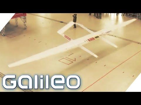 Weltrekordversuch Papierflieger | Galileo | ProSieben - UC1XrG1M_hw8103zO2x-oivg