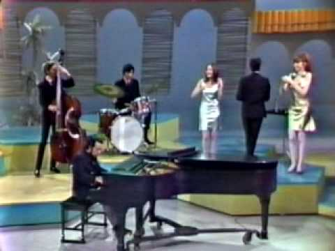 Sergio Mendes & Brasil 66 - Mas que nada (introduced by Eartha Kitt / Something Special 1967) - UCL_2f67Xrpiorwnmeh8BwYA