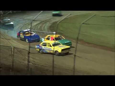 Junior Sedans Feature - Lismore Speedway - 13.01.18 - dirt track racing video image