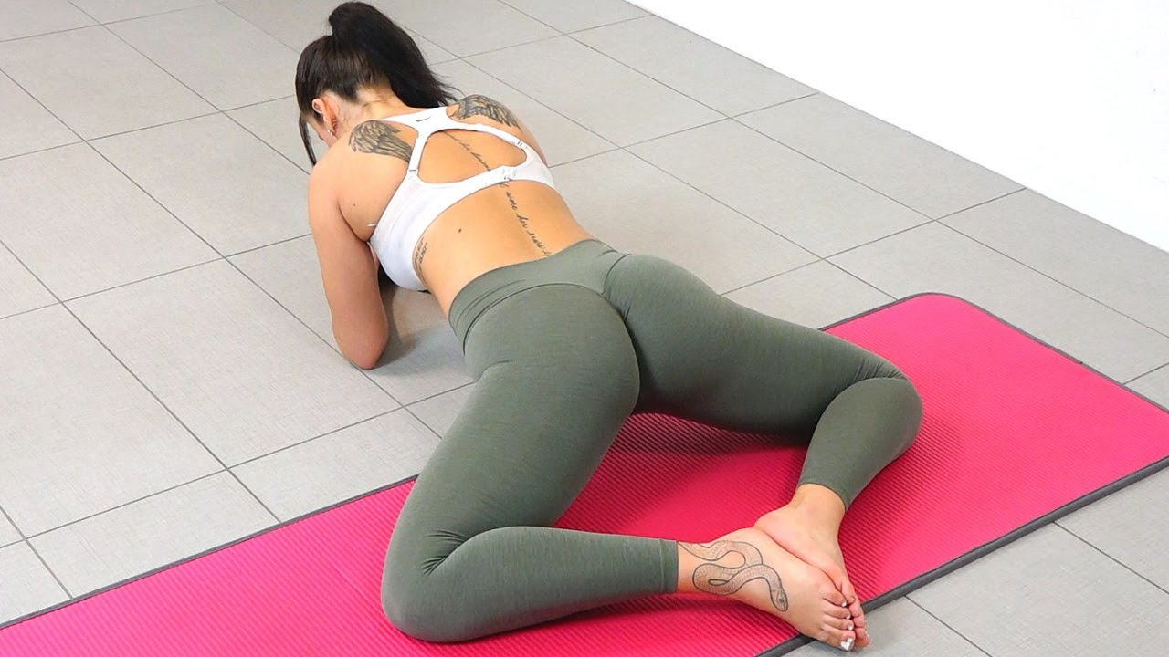 Girls Inner Thigh Stretches to Do The Splits