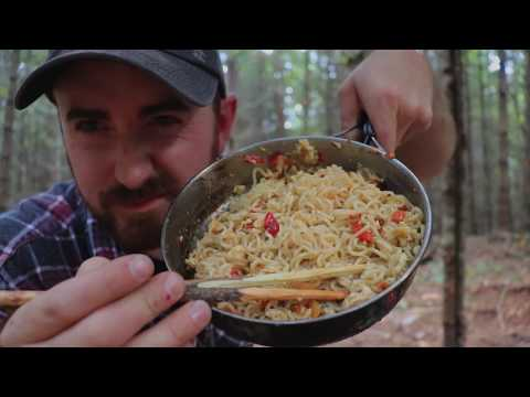Campfire Cooking: Birch Bark, Pot Hanger, Stir Fry, Bushcraft Video