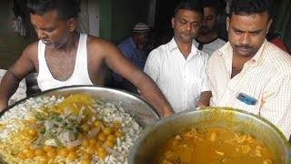 Two Brothers Manages All - Muri with Chicken @ 26 rs & Muri with Ghugni @ 10 rs