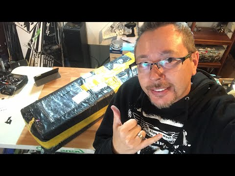 Volantax Phoenix V2 2000mm Glider Xmas Unboxing Live! - UCTa02ZJeR5PwNZK5Ls3EQGQ