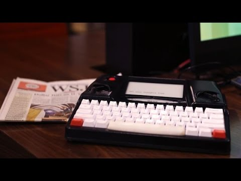 Distraction-Free Writing with Hemingwrite | CES 2015 - UCCjyq_K1Xwfg8Lndy7lKMpA