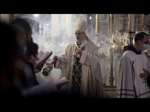 Kudüs'teki Kutsal Kabir Kilisesi'nde, Covid-19 önlemlerinin gölgesinde Paskalya ayini