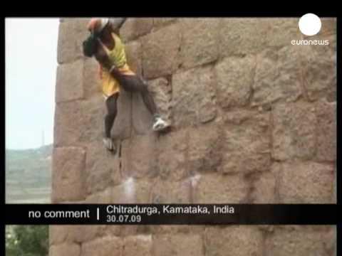 Monkey Man - Amazing Climbing & Jumping